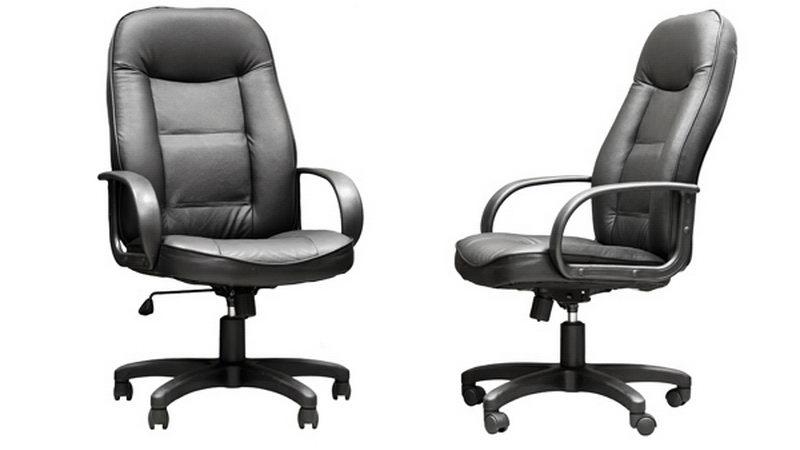 כסאות עם ידיות